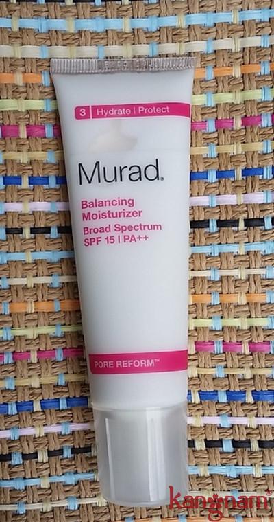 Kem dưỡng cân bằng độ ẩm Murad